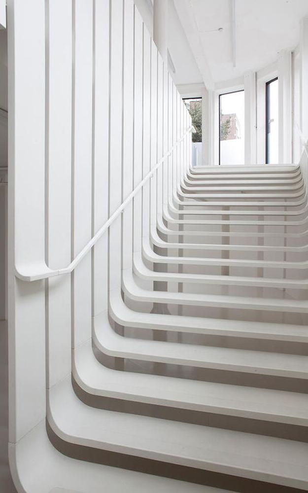 Những mẫu cầu thang nghệ thuật ấn tượng 7.jpg